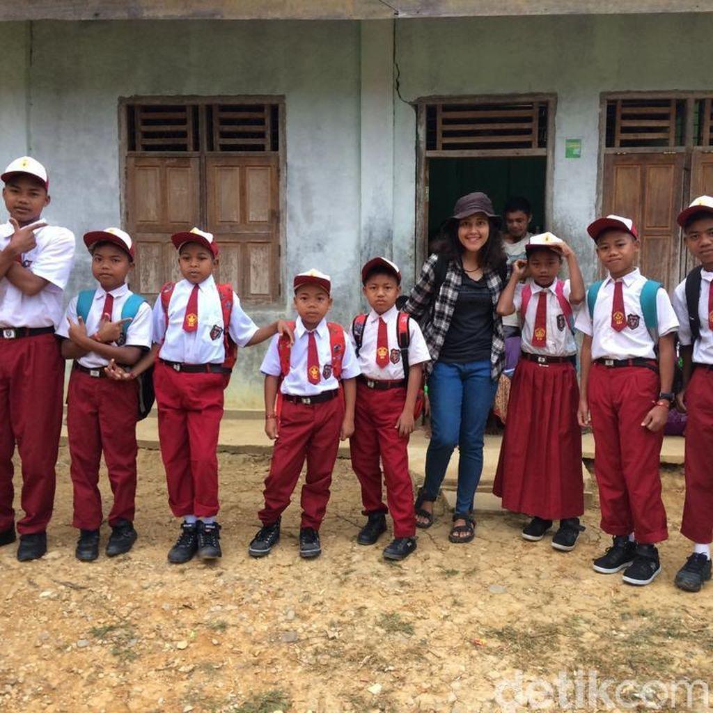 Tak Semudah Dibayangkan Kala Anak Rimba Jambi Masuk Sekolah