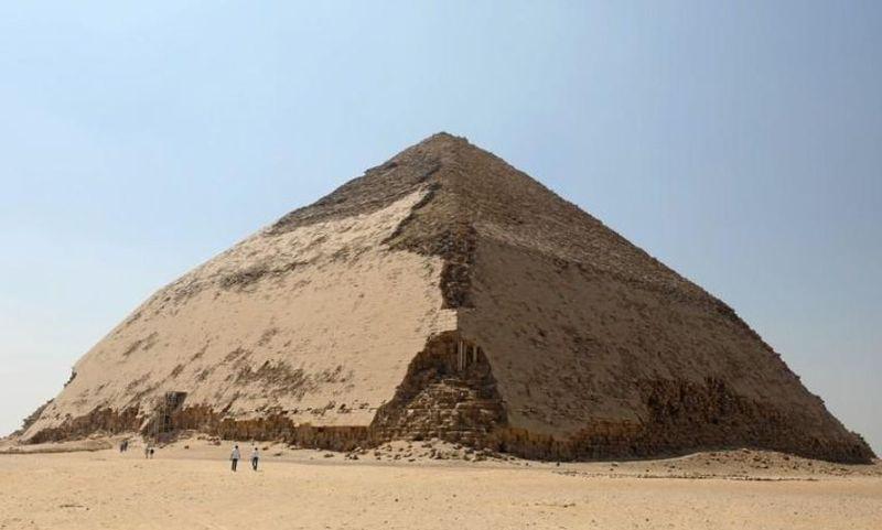 Untuk kedua kalinya bulan ini, Pemerintah Mesir membuka piramida kuno untuk wisatawan. Yang terbaru adalah piramida yang jadi makam Raja Snefru (Mohamed Abd El Ghany/Reuters)