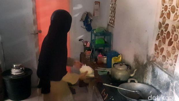 Kabar Gembira untuk Guru yang Bikin Rumah di WC Sekolah