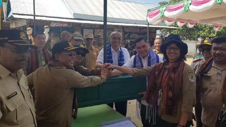 6 Komodo yang Diselamatkan dari Pasar Gelap Dilepas ke Habitatnya di NTT