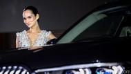 Senyum Menawan di Balik BMW X7