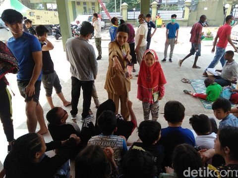 Cegah Penyakit, Anak Pencari Suaka Kalideres Dapat Penyuluhan Cuci Tangan
