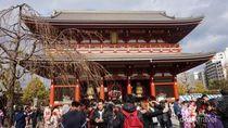 Ini Alasan Turis Betah Berlama-lama di Kuil Tertua Jepang