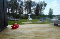 Playground disiapkan bagi keluarga narapidana yang datang (BBC)