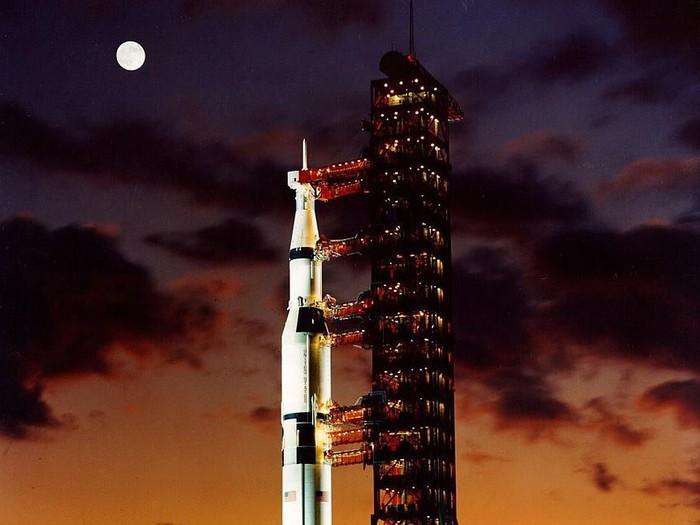 Roket Saturn V yang membawa misi Apollo 11. Foto: Getty Images