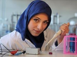 Inspiratif! Ilmuwan Berhijab Temukan Alat untuk Deteksi Infeksi dari Bakteri