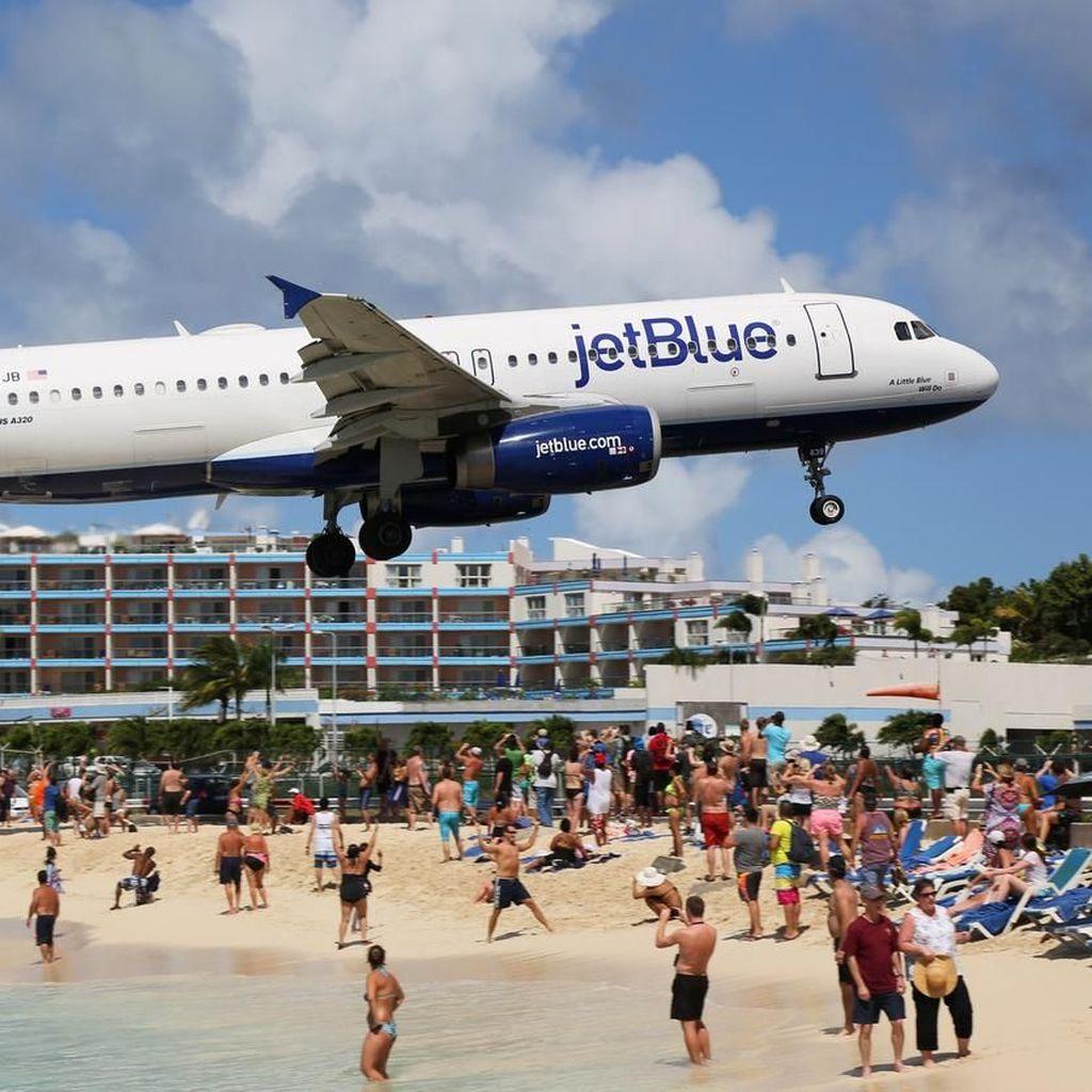 Pramugari Terima Foto Rompi Bunuh Diri, Penerbangan Delay