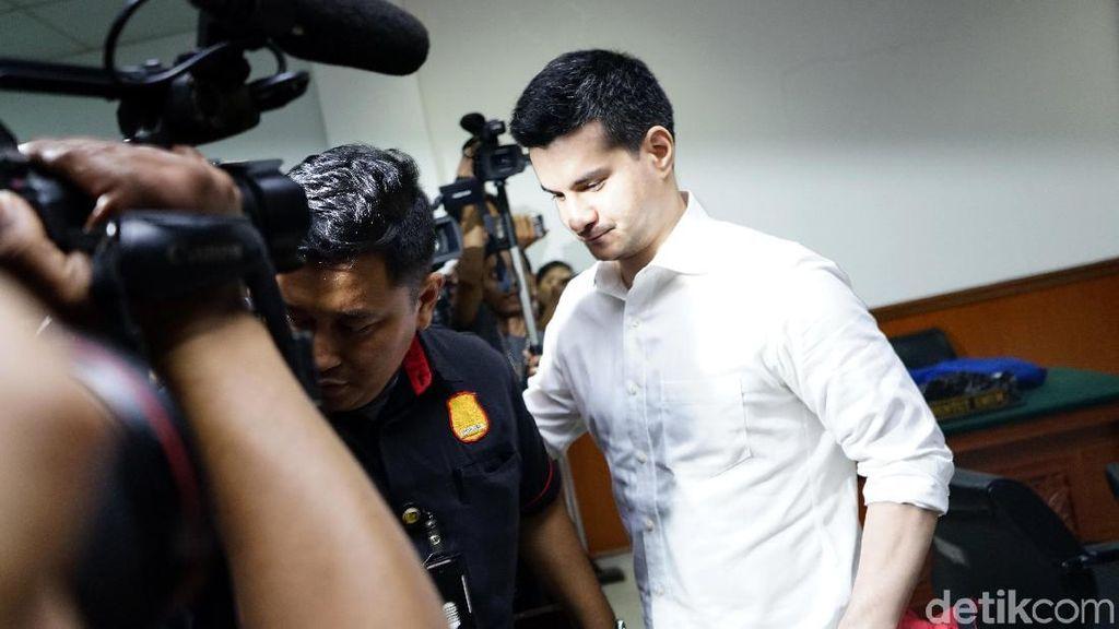 Reaksi Datar Steve Emmanuel Divonis 9 Tahun Penjara