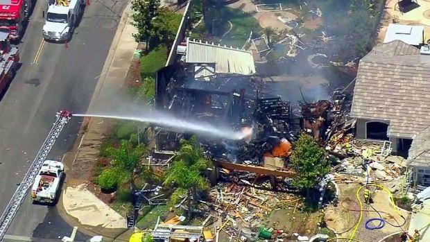 Kondisi rumah di California, AS, usai dilanda ledakan