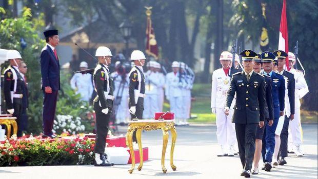 Lantik 781 Perwira TNI/Polri, Jokowi Sampaikan Peringatan ini