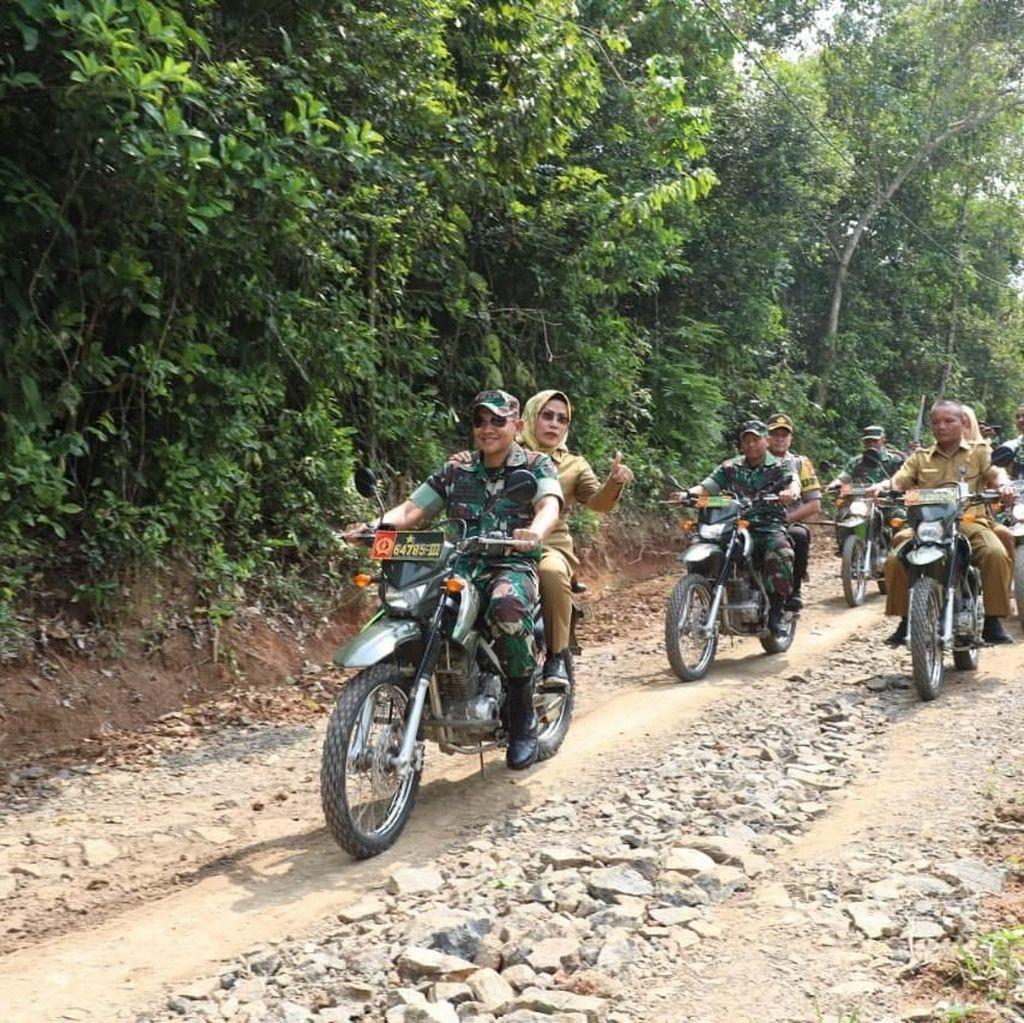 Libatkan TNI, Pemkab Serang Buka Hutan Jadi Akses Jalan di Pamarayan