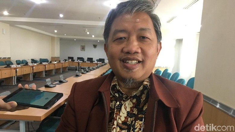 JPO Tak Beratap di Sudirman Disoal, PKS: Buat Nyeberang, Bukan Buat Neduh