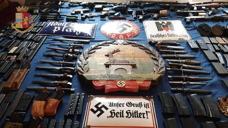 Potret Pistol Hingga Rudal yang Disita Neo-Nazi di Italia