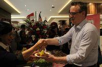Tumpeng Tandai 70 tahun Hubungan Diplomatik Indonesia dan Amerika.