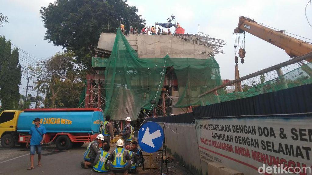 Kerugian Fisik Akibat Beton Proyek Tol BORR Ambrol Capai Rp 1 Miliar