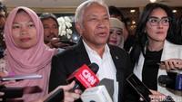 Dalam rapat Badan Musyawarah (Bamus) DPR diputuskan surat pertimbangan pemberian amnesti kepada Baiq Nuril akan dibahas di Komisi III DPR.