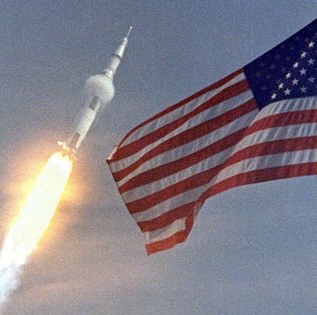 50 Tahun Silam, Apollo 11 Bawa Manusia ke Bulan