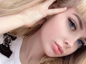 Foto: Wanita Barbie yang Dilarang Ortu Keluar Rumah Karena Terlalu Cantik