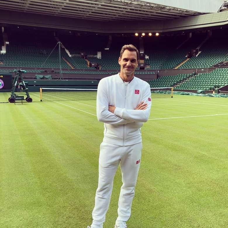 Federer baru saja menelan pil pahit karena kalah dari Novak Djokovic dalam final Wimbledon 2019. Meski begitu, banyak fans Federer tetap menyemangati pria 37 tahun ini. Foto: Instagram rogerfederer