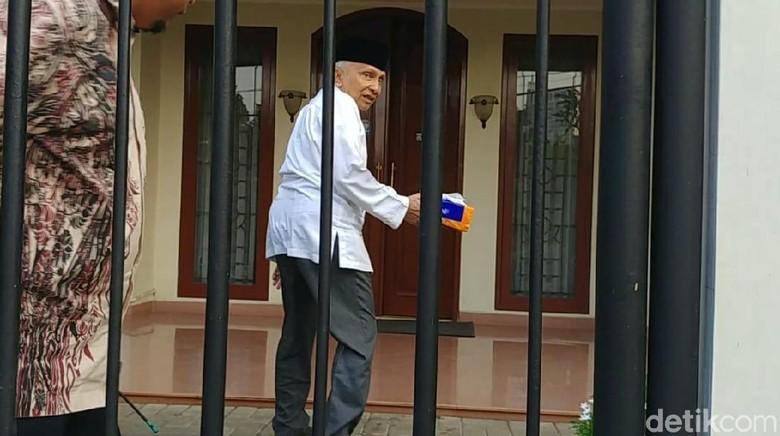 Amien Rais Pulang ke Gandaria, Usai Bertemu Prabowo?