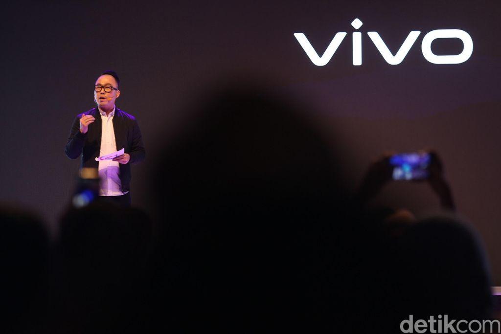 Vivo S1 cocok untuk anak muda yang stylish, ingin tampil beda, dan selangkah lebih ke depan, kata Edy Kusuma, Senior Brand Director PT Vivo Mobile Indonesia saat acara peluncuran di Jakarta, Selasa (16/7/2019). (Foto: Agung Pambudhy/detikINET)
