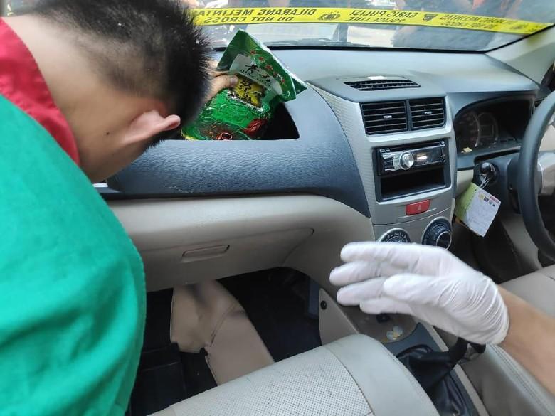 Dikemas Teh China, 30 Kg Sabu dari Myanmar Disembunyikan di Dashboard