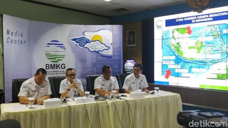 BMKG Imbau Warga Hindari Bangunan Rusak Akibat Gempa M 5,8 Bali