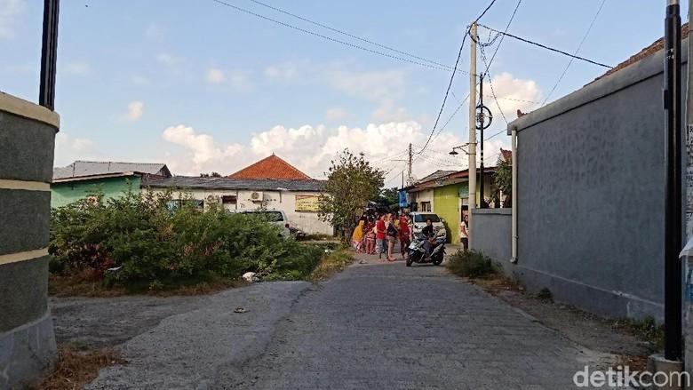 Gempa M 6 di Bali, warga berhamburan keluar rumah  (Aditya Mardiastuti/detikcom)