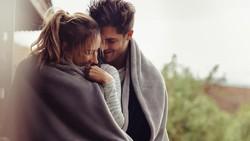 4 Tips Agar Sesi Morning Sex Lebih Menggairahkan