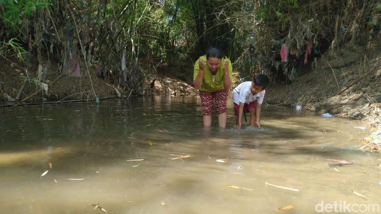 Jeritan Korban Kekeringan di Mojokerto, PDAM Tak Kunjung Datang