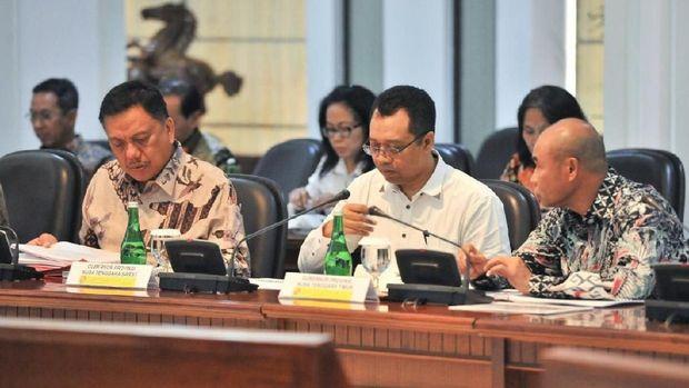 Gubernur Nusa Tenggara Barat (NTB) Zulkieflimansyah menghadiri ratas dengan Presiden Jokowi.