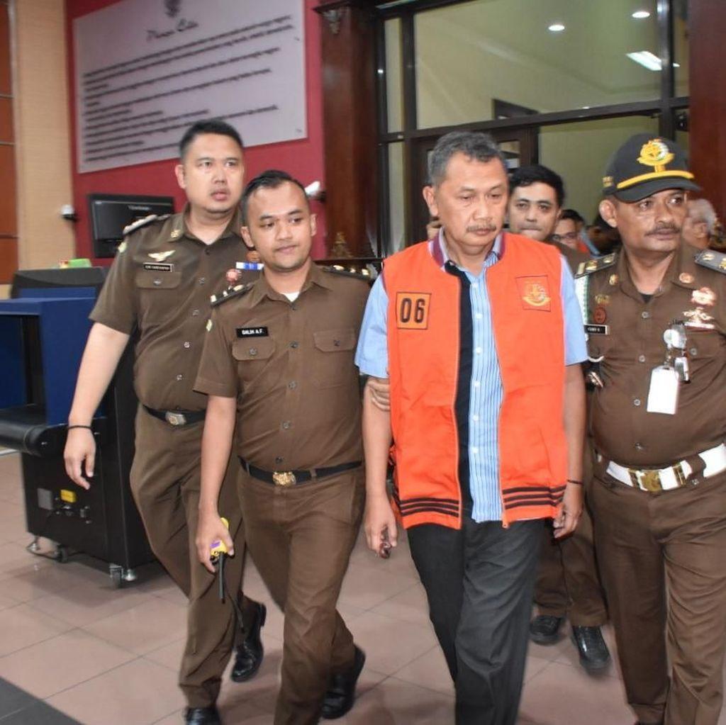 Kejati Jabar Tahan 5 Tersangka Korupsi Jembatan Cisinga Tasikmalaya