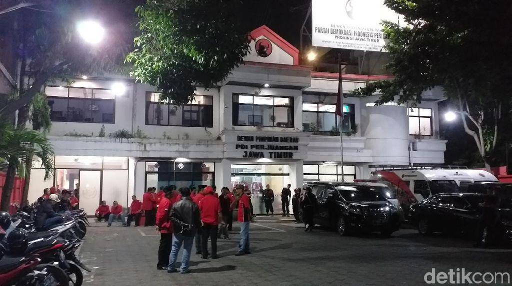 PAC se-Surabaya Datangi Kantor PDIP Jatim Tunggu Hasil Konfercab Lanjutan