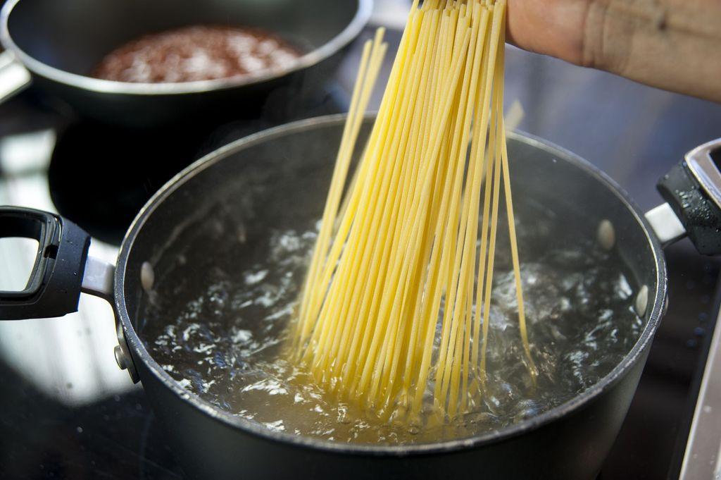 resep spaghetti saus bola daging