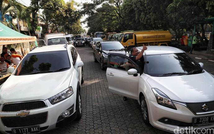 Menekan Polusi Udara di Ibu Kota Lewat Uji Emisi Kendaraan
