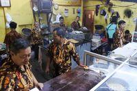 Martabak AA: Ngemil Martabak Manis dan Telor Klasik yang Ada Sejak 1981