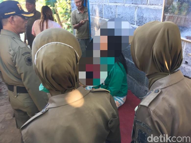 Pasangan Mesum di Kota Mojokerto Dirazia, Petugas Diomeli Emak-emak