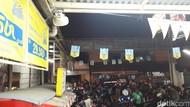 Polisi Pasang Pengeras Suara Tertibkan Ojol di Stasiun Bekasi