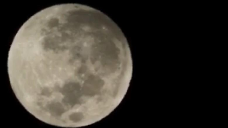 Gerhana Bulan di Langit Indonesia Masuki Fase Penumbra