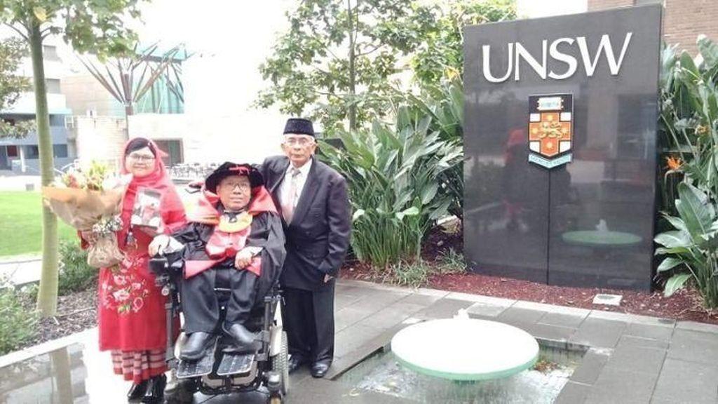 Tak Ada yang Mustahil, Difabel Asal Indonesia Raih Doktor di Australia