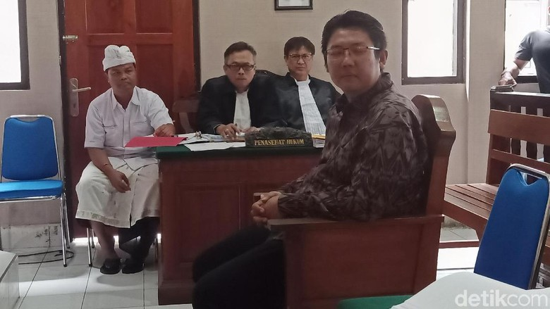 Putra Kandung Bantah Eks Bos Kadin Bali Anak Angkat Mangku Pastika