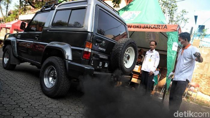 Polusi udara Jakarta bisa disebabkan karena debu atau gas. (Foto ilustrasi: Pradita Utama)