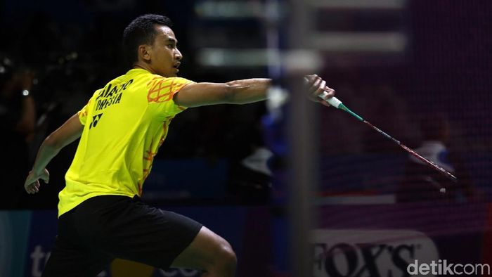 Tommy Sugiarto melangkah ke perempatfinal Denmark Open 2019 (Foto: Agung Pambudhy)