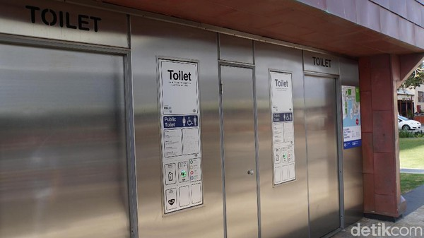 Toilet yang saya coba gunakan ada di kawasan Elizabeth Quay, tepatnya ada di depan The Bell Tower. Toilet ini dapat digunakan oleh semua usia dan bahkan ramah bagi disabilitas pengguna kursi roda (Ahmad Masaul Khoiri/detikcom)
