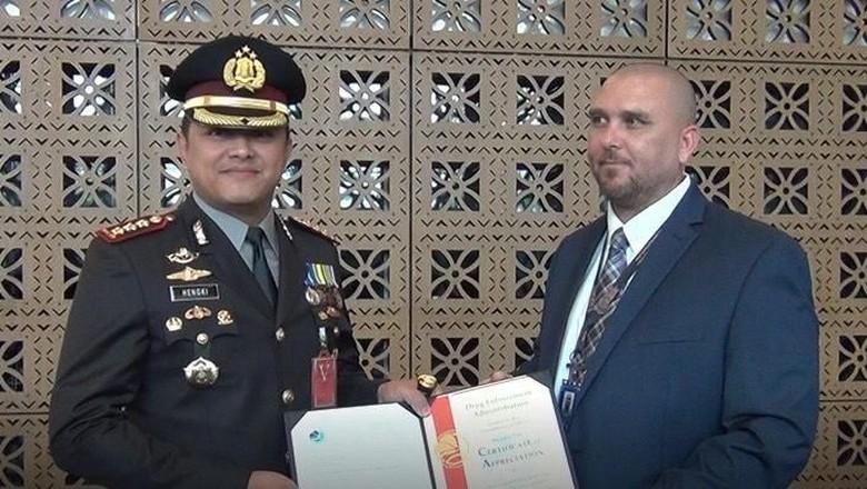 Bongkar Kartel Narkoba, Polres Jakbar Diberi Penghargaan oleh DEA