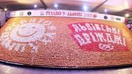 Ada Mozaik Ribuan Donat hingga Kotak Donat Terbesar Pecahkan Rekor Dunia