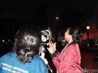 Menikmati Gerhana Bulan dengan Teleskop di Planetarium Jakarta