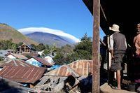 'Topi awan' Gunung Rinjani.