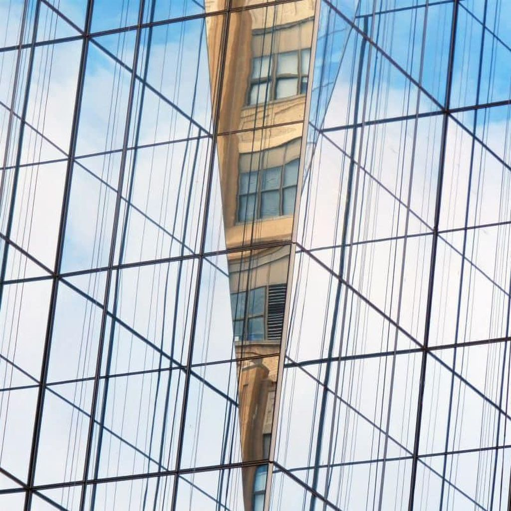 Tanpa Photoshop, Foto Bangunan Ini Hadirkan Ilusi Optik