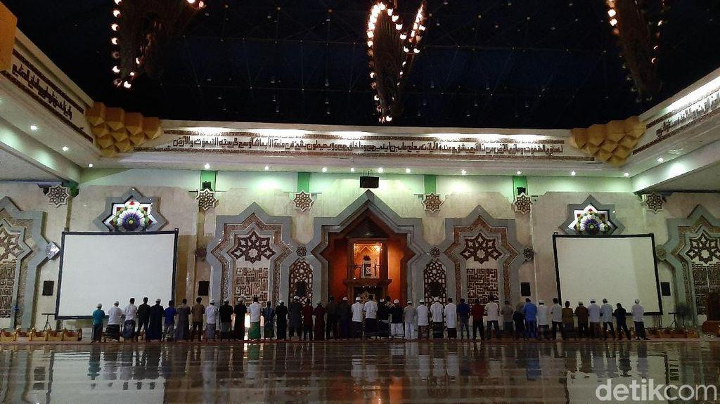 Ada Gerhana Bulan, Jemaah di Jakarta Islamic Center Salat Khusuf